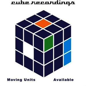 Albumcover Moving Units - Available